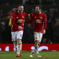 Rooney back on form as United outclass Feyenoord to ease Europa League worries