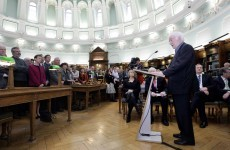 Seámus Heaney donates literary treasure trove to National Library