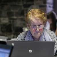 Know anyone who isn't tech-savvy? This is how you can help them this Christmas