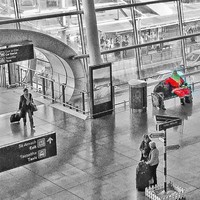 The Dublin Airport Santa has taken up his position in Terminal 2 and people are excited