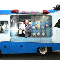 Ireland's oldest ice cream man got a special award for his 'dedication to ice cream'