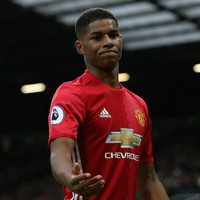 Ryan Giggs gives advice to Marcus Rashford on ending his goal drought