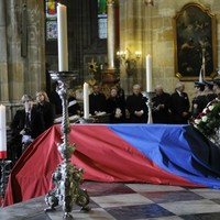 Czechs pay tribute as former president Vaclav Havel laid to rest