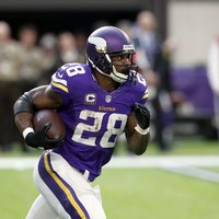 Last-ditch field goals win it for Packers and Titans while Adrian Peterson's comeback falls flat