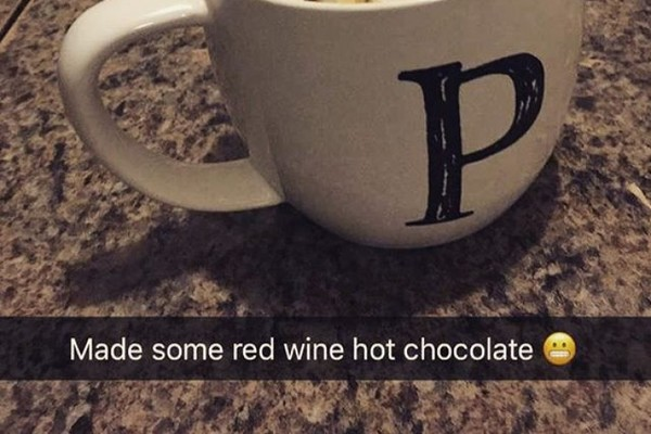 Red Wine Hot Chocolate Is The Boozy Winter Drink Thats