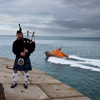 'A fitting tribute': Coastguards called to rescue operation at ceremony to remember people lost at sea