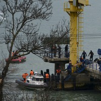 Parts of crashed Russian plane found in Black Sea