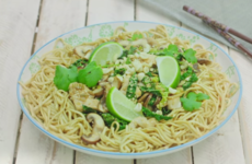 Chicken And Mushroom Chinese Noodles