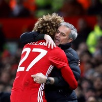 Man United extend Marouane Fellaini's contract