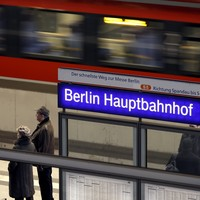 Mother loses four children in station, one catches fast-train to Leipzig