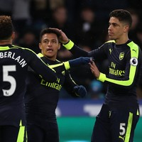Arsenal knock Man City out of top 4 after easing past struggling Swansea