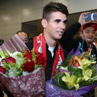 'I'm a pioneer!' - Oscar says China's money is good for football