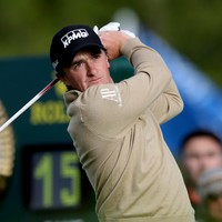 Dunne continues impressive form in Abu Dhabi as he sits two shots off the lead