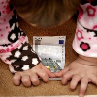Almost 6,000 parents have child benefit suspended