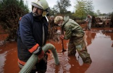 Hungary toxic sludge spill reaches Danube
