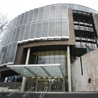 """Drug addict went """"off the wall"""" robbing shops two weeks after release from prison"""
