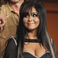 It's t-shirt time: Jersey Shore's Snooki teams up with Hyland brothers