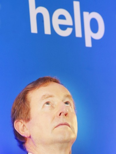 Enda Kenny wins confidence motion in the government