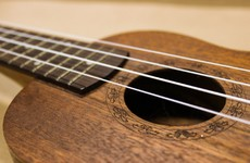 Woman who struggles to play ukulele after injuring finger is awarded €18,500