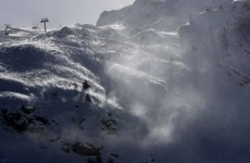 No victims after avalanche hits French Alps resort