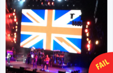 A country music star played a gig in Dublin's 3Arena last night... in front of a giant Union Jack