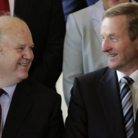 Michael Noonan wants Enda Kenny to stay on as Taoiseach until at least the summer