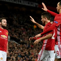 Alex Ferguson tells Man Utd to focus on Europa League