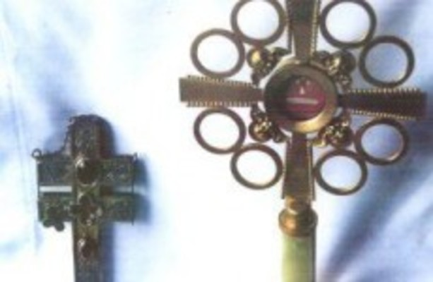 Relics of true cross' returned to abbey after being stolen