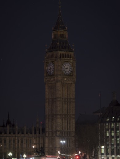World landmarks switched off the lights for Earth Hour last night
