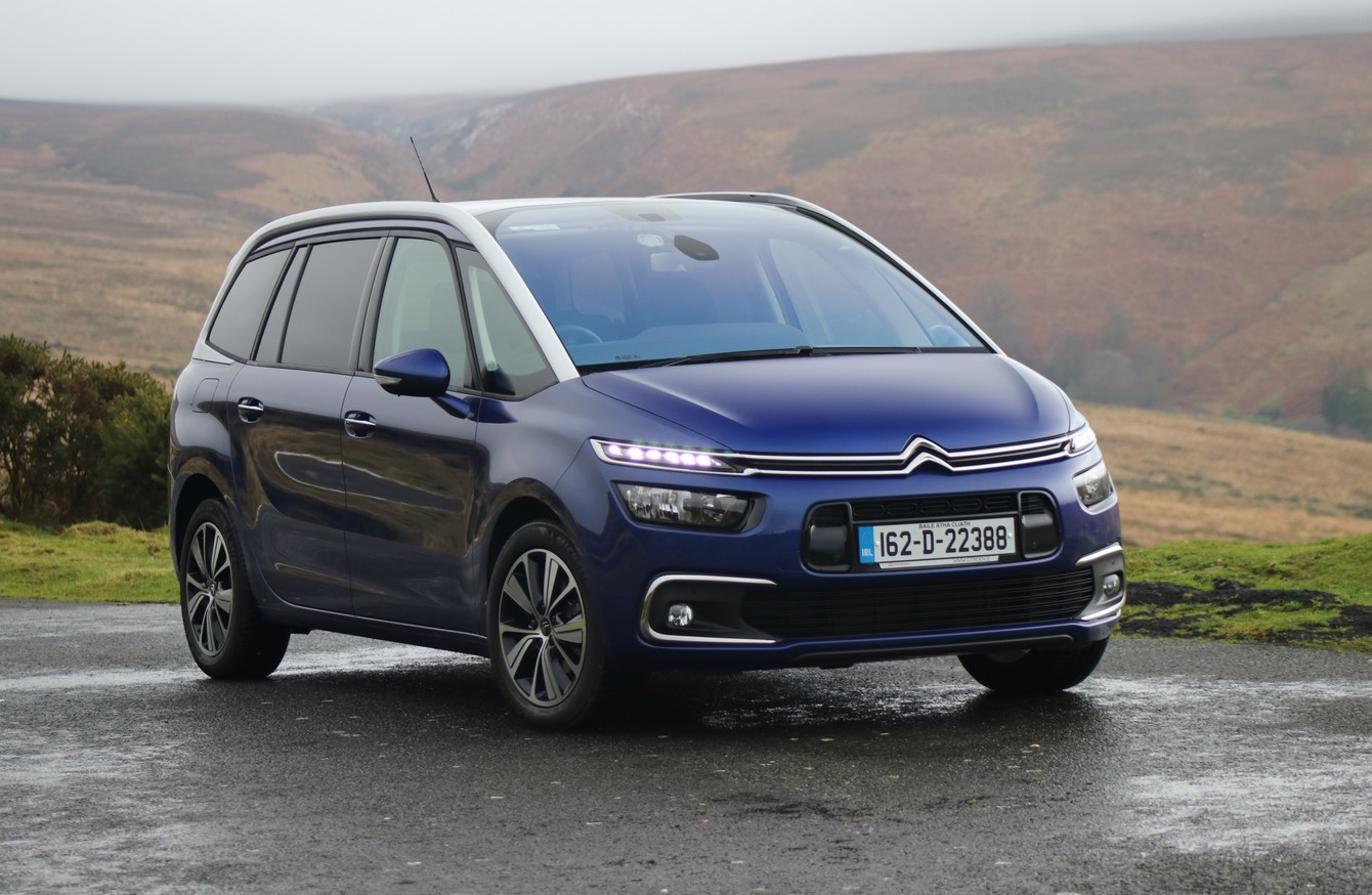 the citroen grand c4 picasso is an mpv but it 39 s no boring family wagon. Black Bedroom Furniture Sets. Home Design Ideas