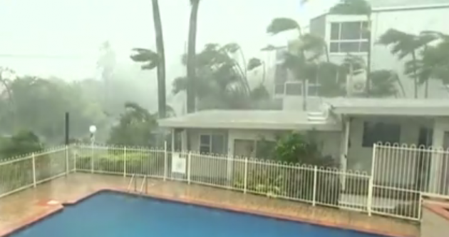 'Monster' cyclone Debbie batters Australia with 270km gusts