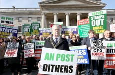 Independent TD threatens to withdraw support for government over post office closures