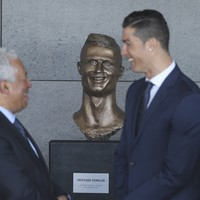 Niall Quinn sculpture at Cristiano Ronaldo Airport and Ian Turner's Cross - It's Comments of the Week