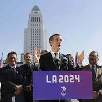 LA hits back at Paris accusations of buying Facebook likes to aid Olympic bid