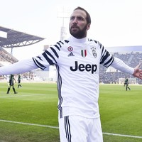Gonzalo Higuain to Napoli owner: 'It's your fault'