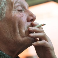 Here's the official advice on how to quit smoking (and it doesn't include vaping)