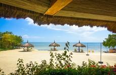 Five dead as militants attack Philippine tourist island