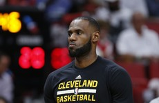 Warriors winning streak ends at 14, Cavs slip with LeBron rested