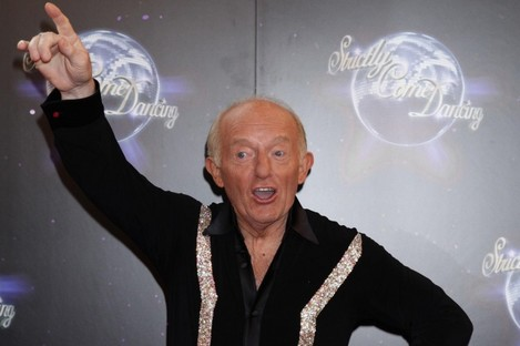 (L-R) Finger, Paul Daniels