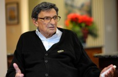 Penn State coach Joe Paterno passes away aged 85