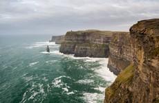 Man (40s) dies after Cliffs of Moher parachute jump