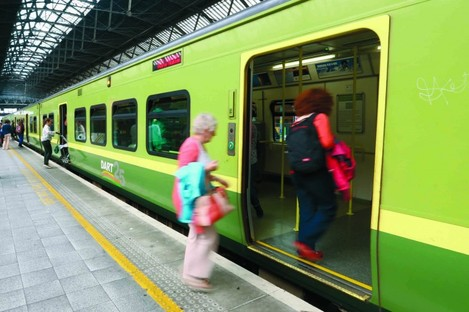Stock photo of Dart carriage.