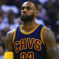 LeBron leads Cavs again, Spurs edge ahead