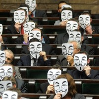 Poland signs ACTA copyright treaty amid protests