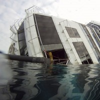 Seventeenth body found underwater in Costa Concordia