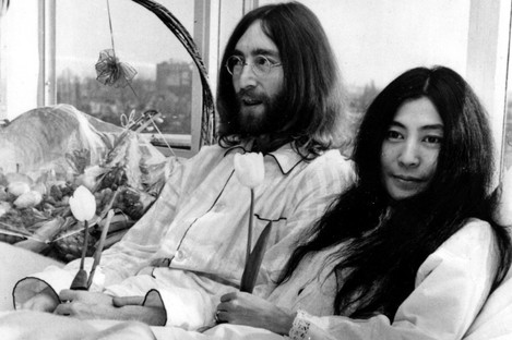 John and Yoko's 1969 bed-in for peace: they didn't argue about whether to use a top sheet or not...