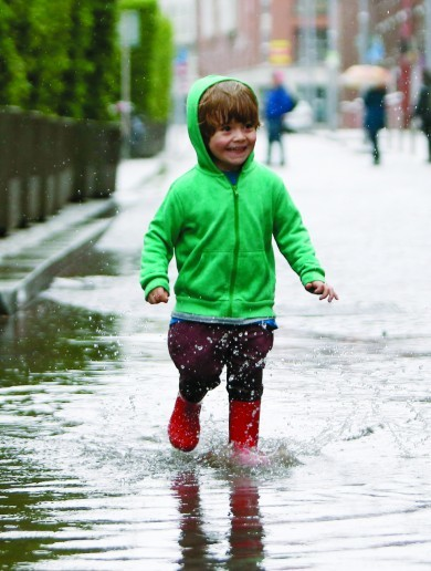 We're set for another warm week but don't leave the house without a brolly