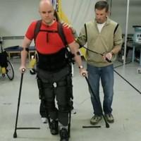 VIDEO: Blind and paralysed Irish adventurer 'walks' with robotic legs