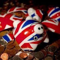 A hung UK parliament has sent the pound into a dive
