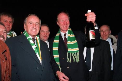 Jack Charlton with An Taoiseach Albert Reynolds in 1993.